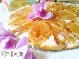 Ароматний шведський заварний яблучний пиріг