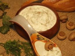 Білий грибний соус для риби