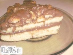 Бісквітний торт із заварним кремом
