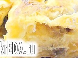 Швидкий пиріг з лаваша з яблуками, родзинками і виноградом «Гості на порозі».