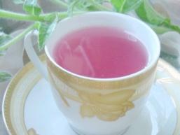 Чай зі смородини, її листочків і імбиру