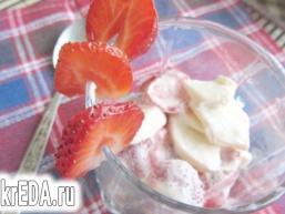 Десерт яблучно-полуничний