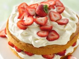 Домашній полуничний торт