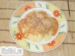 Фрикадельки в соусі