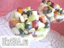 Фруктовий салат з динею