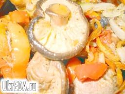 Гриби шиітаке з овочами