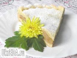 Грушево-яблучний пиріг з корицею