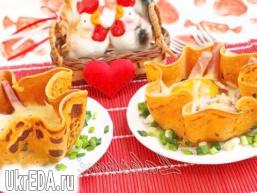 Яєчня з шинкою в томатних млинчиках для улюбленого