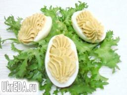 Яйця фаршировані грибної пастою