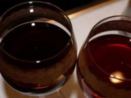 Як зробити вино з варення?