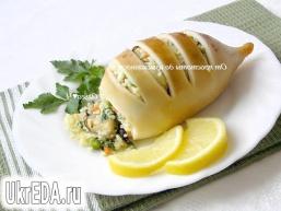 Кальмари, фаршировані мідіями, овочами і кус-кусом
