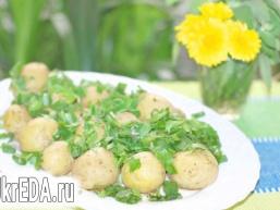 Картопля з пряними травами в мікрохвильовці.