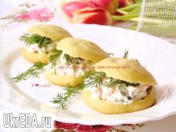 Картопляні еклери з сирним сиром, рисом, овочами і зеленню