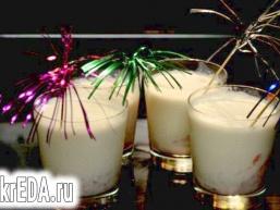 Полунично ванільний коктейль