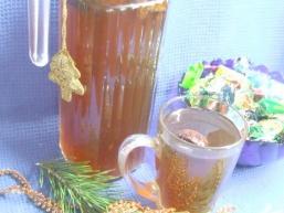 Компот із сухофруктів з медом і шипшиною
