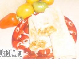 Курка з овочами в лаваші