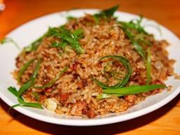Куряча печінка з рисом