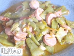 Лобіо в томатному соусі
