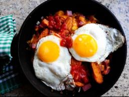 Кращі рецепти з яєць: ситний чоловічий сніданок