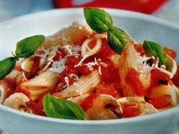 Макарони з томатною пастою - просто і смачно!