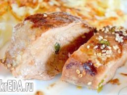 Мариноване філе свинини з кунжутом