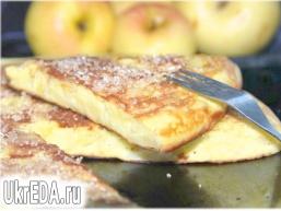 Омлет з яблуками - Апфельтатш