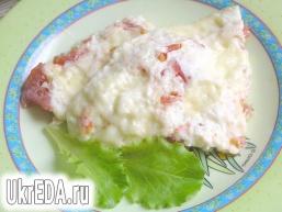 Омлет з сиром і помідорами
