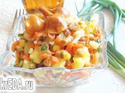 """Овочевий салат з маринованими опеньками """"Дар'я"""""""