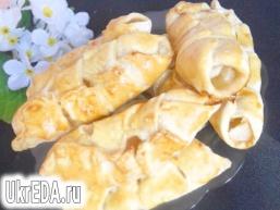Пиріжки з яблуками з листкового тіста в хлібопічці