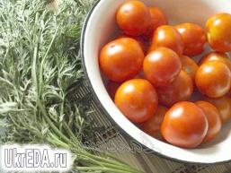 Помідори в морквяної бадиллі