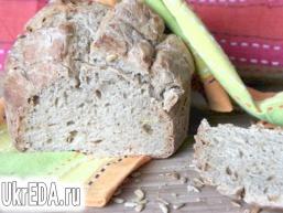 Пшенично-житній хліб з насінням на заквасці