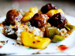 Рецепт фрикадельок з перцем і ананасом