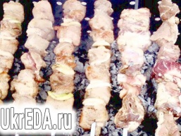 Шашлик зі свинини в пряному маринаді