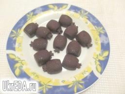 Шоколадні цукерки з чорносливом