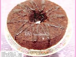 Шоколадний кекс-бісквіт з горіхами