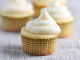 Солодкі кекси з кремом: все геніальне - просто!