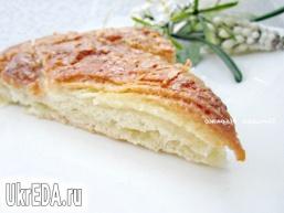 Солодкий пиріг з хлібного тесту