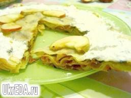 Листковий яблучний пиріг