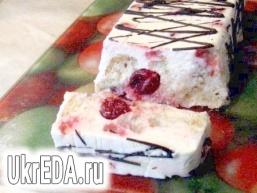 Сметанно-бісквітний десерт з вишнею