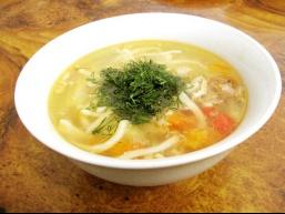 Суп курячий з локшиною і грибами