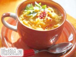 Суп пюре з гарбуза і червоної сочевиці