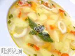 Суп з кальмарами і базиліком