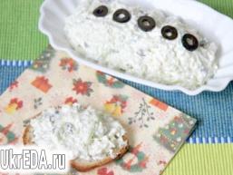 Сирний дип з маслинами і і огірком