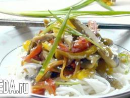 Качка з овочами, в азіатському стилі.