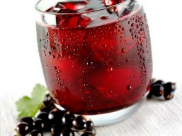 Смачне вино з чорної смородини