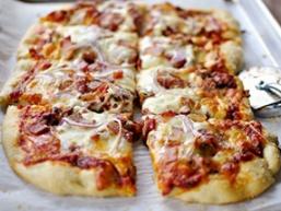 Проста піца в домашніх умовах