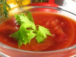Томатний овочевий суп з селери