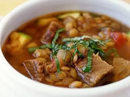 Суп з сочевиці з м'ясом