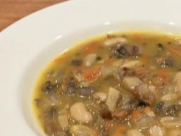 Суп з квасолею і печерицями