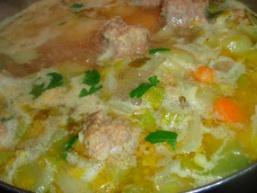 Суп з галушками і фрикадельками